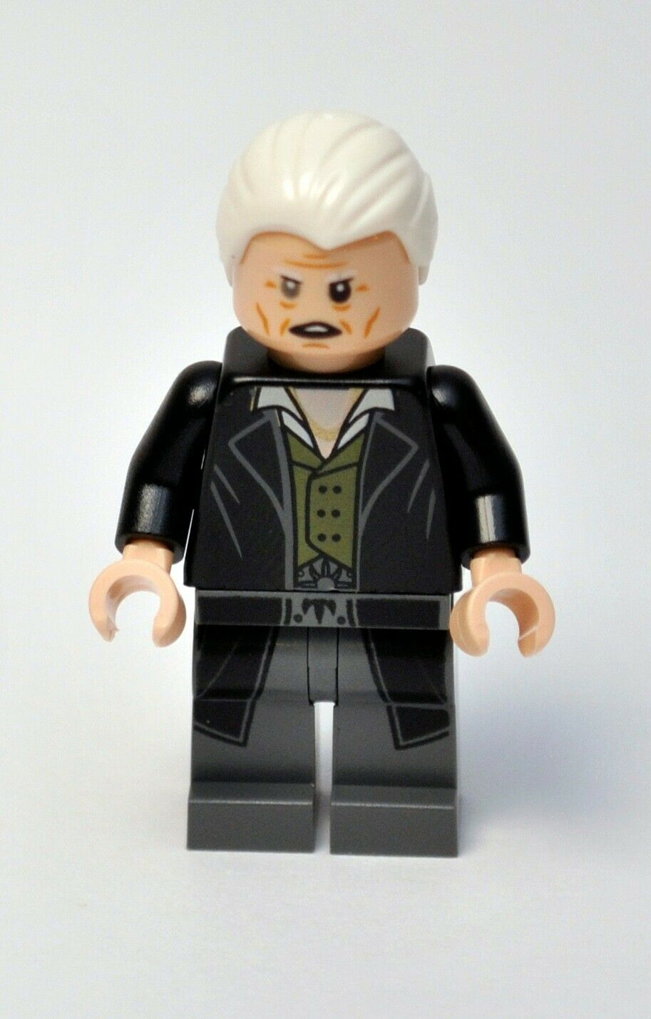 LEGO Harry Potter Gellert Grindewald From 75951 With Power Blast and 2 Wands