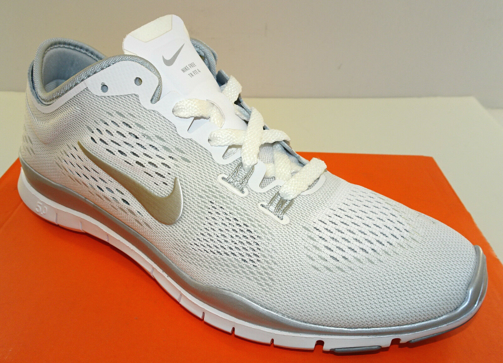 NIKE Free 5.0 TR Fit 4 Women's White / Silver Crosstrainers  NEW  6-12M