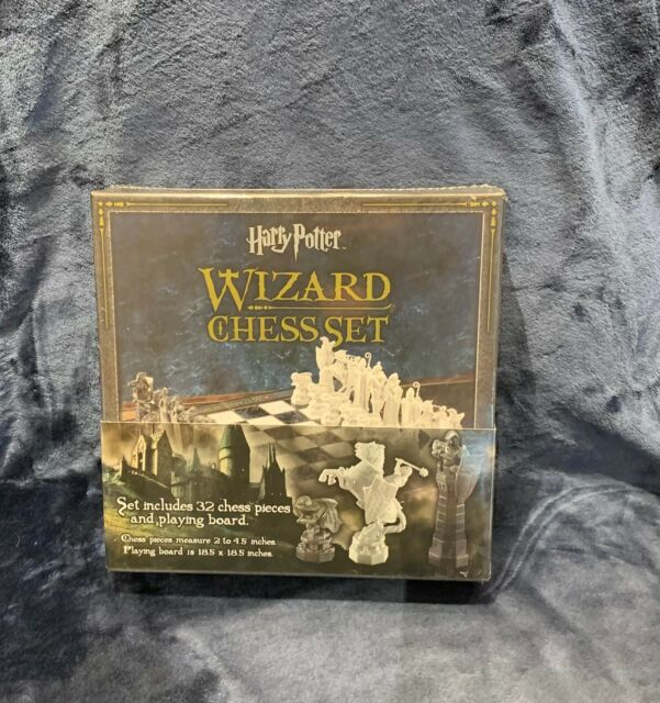 The Noble Collection Harry Potter Wizard Chess Set Brand NEW Sealed