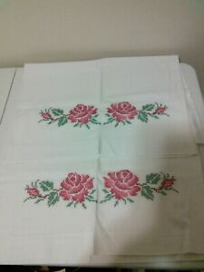 Vintage-Pillowcases-With-Rose-Cross-Stitch