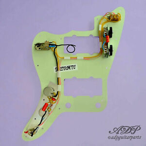 Pre-Wired-Pickguard-Nir-pour-Fender-Jazzmaster-Cable-Vintage-62US-3ply-Black