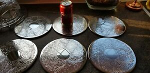 VINTAGE SILVER PLATED SET SIX ENGRAVED ROUND PLATE SETTING TABLE COASTER MATS