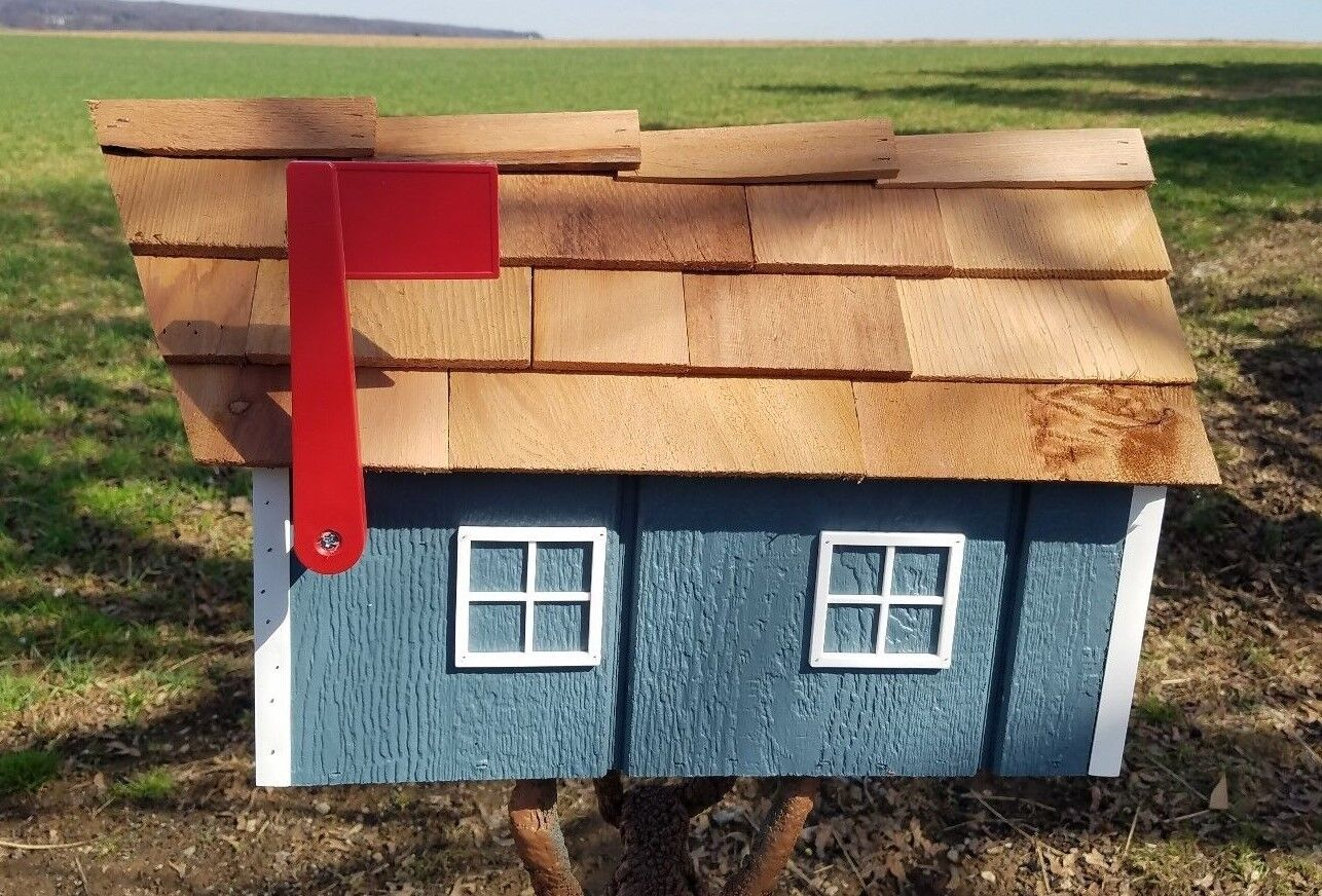 Amish Crafted Blau with Weiß Trim Barn Style Mailbox - Lancaster County PA