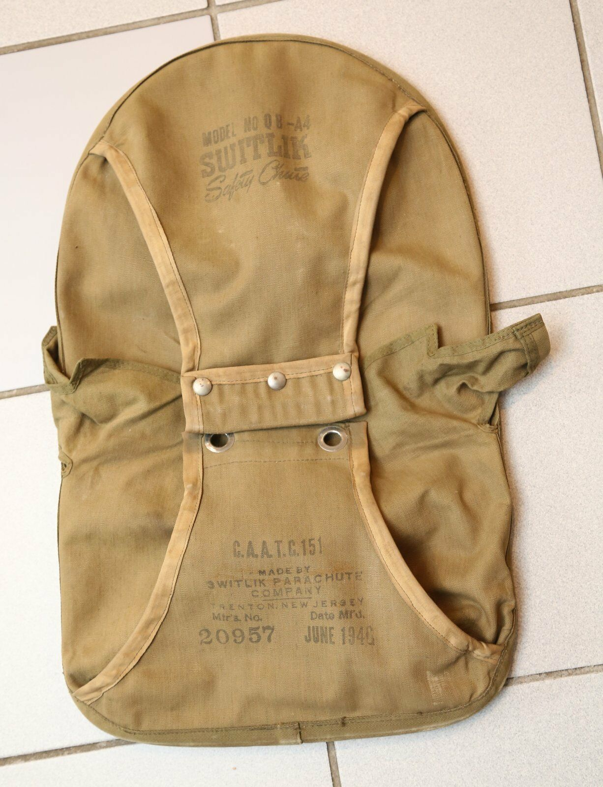 1946 Switlik Safety Chute parachute container  QBA4  with original data card