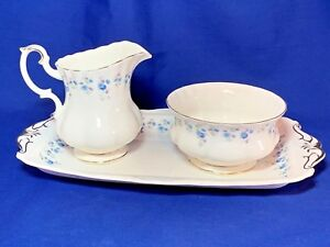 Royal-Albert-China-Memory-Lane-pattern-sugar-and-creamer-on-tray-set