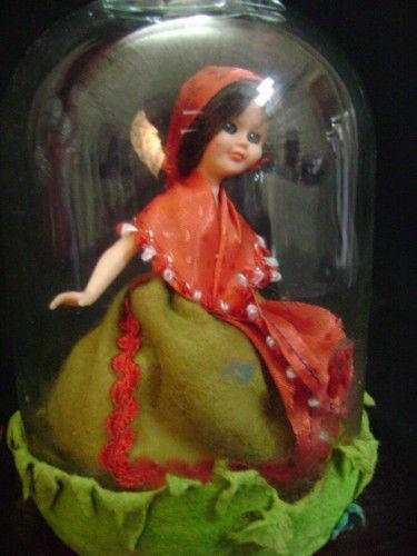 Bambola vintage in bottiglia anni 60 vintage modernariato