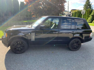 2010 Range Rover HSE (LOW KM)MUST SEE