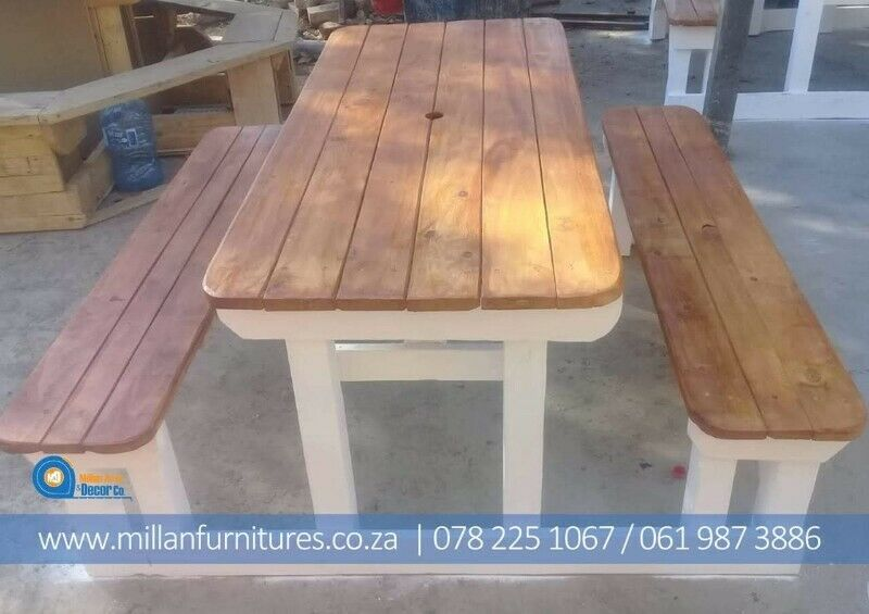 ATTACHED TABLES AND BENCHES SETS