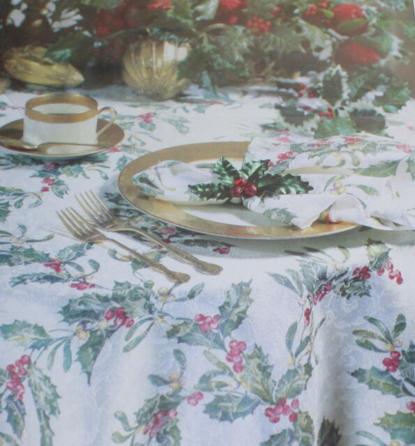 70 Round Holly Garland Christmas Tablecloth Fashion Industries Cotton Blend For Sale Online Ebay