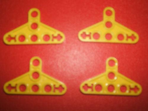 LEGO Technic 4 Liftarm Triangle Thin Bracket YELLOW