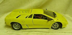 Maisto 1990 Lamborghini Diablo Yellow 1 18 Scale Diecast Model Car