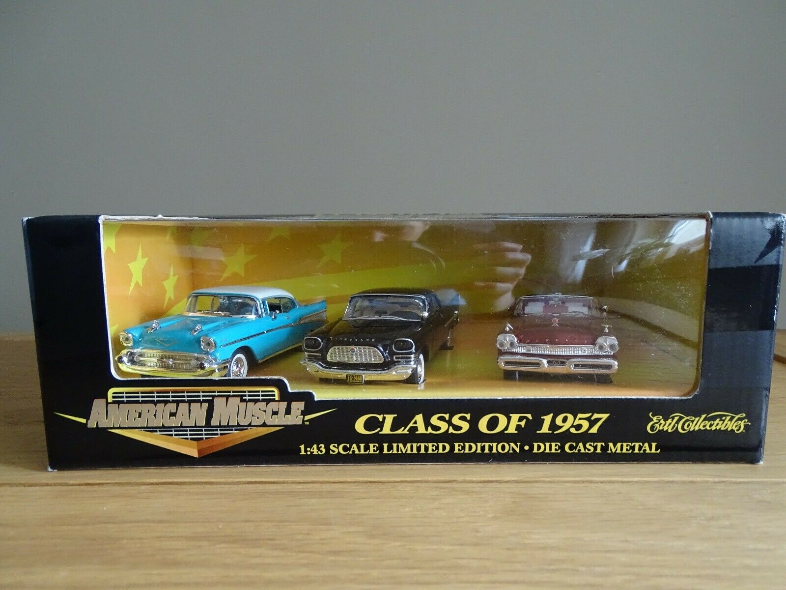 1 43 Ertl 32001 Class of 1957 Chevrolet Bel air, Mercury Cruiser, Chrysler 300 C