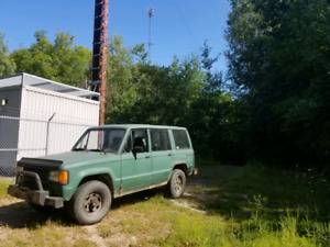 4x4 isuzu trooper