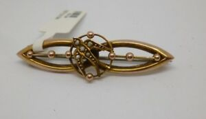 9ct-yellow-gold-vintage-brooch-with-bird-design-in-the-centre-and-039-c-039-clasp
