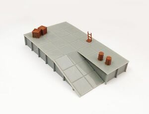 Outland-Models-Train-Railway-Platform-Loading-Dock-wide-w-Goods-HO-Scale