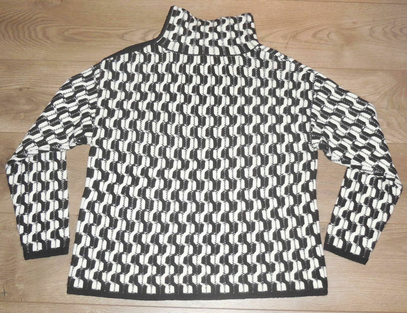100% Cashmere NORDSTROM COLLECTION Black White Do… - image 7