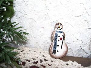 WOODEN-SNOWMAN-PIN