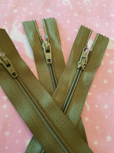 SAGE GREEN ZIP NYLON 4 INCH DRESS MAKING HIDDEN ONE END CLOSED CRAFTS NEW