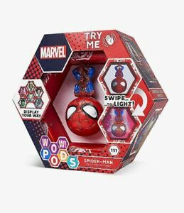 WOW-POD-MARVEL-SPIDERMAN-111-SERIES-1-SWIPE-TO-LIGHT