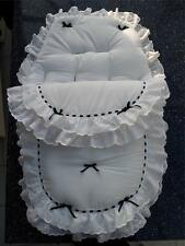Baby's Cosy toes/saco 3 en 1 en el diseño de encaje blanco con negro doble