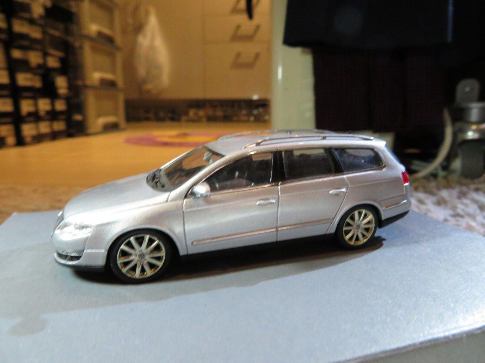 1 43 Minichamps VW Volkswagen Passat Wagon diecast