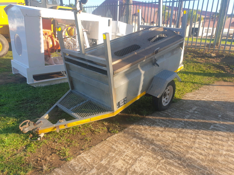 2010 Tow behind Trailer