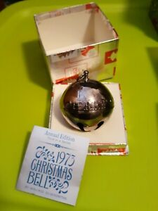 1973-3rd-Wallace-Silverplated-Christmas-Sleigh-Bell-Ornament-Good-Will-To-Men-3-034