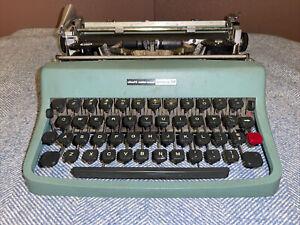 Vintage Olivetti-Underwood Lettera 32 Portable Typewriter As Is