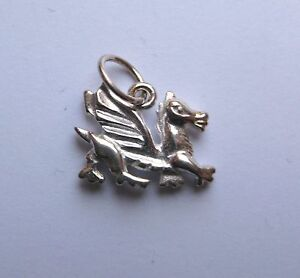 Sterling-Silver-Small-Welsh-Dragon-Pendant-1-82g