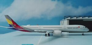 Herpa-Wings-1-500-529983-Asiana-Airlines-Airbus-A350-900-XWB-HL8078