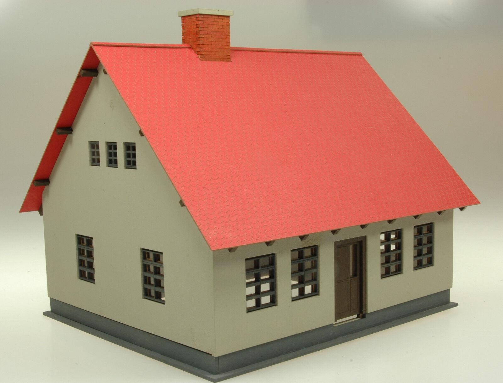 Traccia 0 abitazione  Jörg  con tetto a padiglione