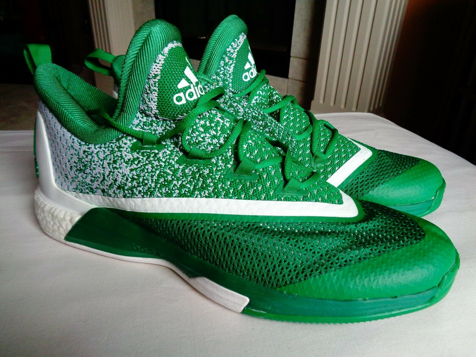 1aa23093f09a6 Adidas Boost AQ8093 Men s Green and shoes Size 17 White Basketball ...