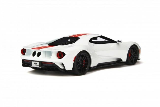 2017 FORD GT WHITE WITH RED STRIPES 1 18 18 18 MODEL CAR BY GT SPIRIT GT097 272a22