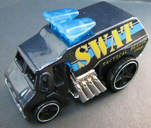 Hot Wheels 1:64 Scale 2011 HW City Works Series COOL-ONE SWAT POLICE