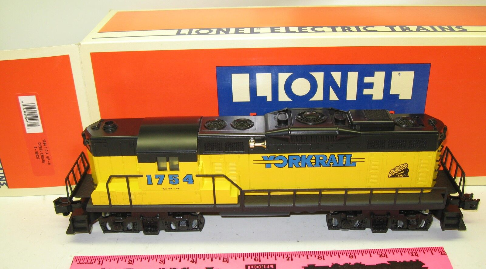 Lionel 6-52037 1994 T.C.A. GP -9 diesel engine