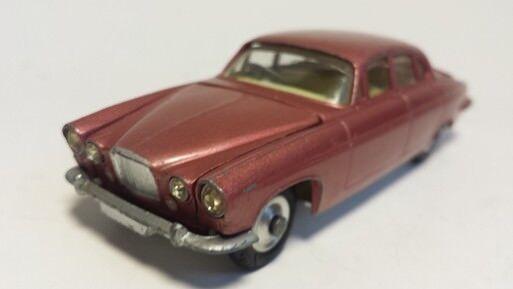 Corgi Jaguar Mark X (10) pink- oder redmetallic ORIGINAL gut erhalten