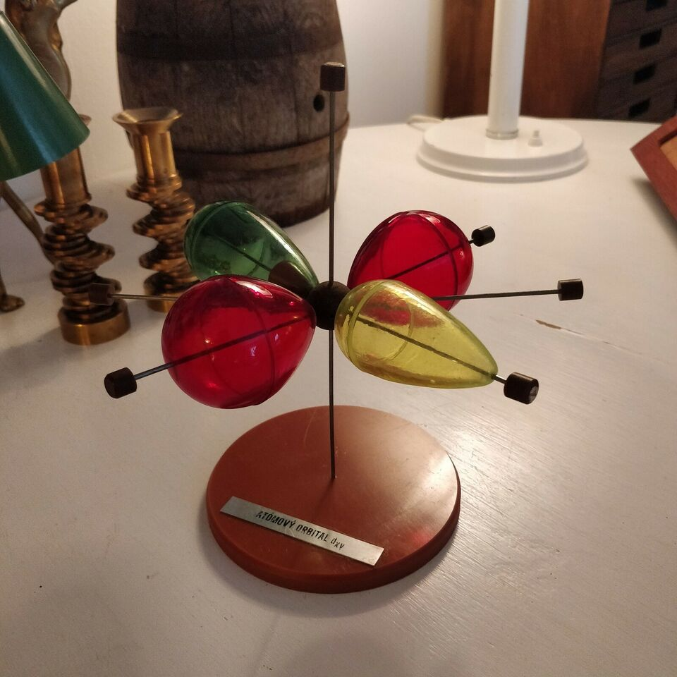 Andre samleobjekter, Atom model - fysik model