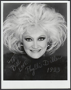 Phyllis-Diller-Comedienne-amp-Actress-signed-8-034-x10-034-B-amp-W-Photo