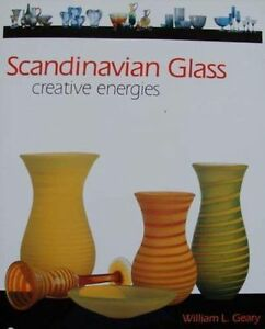 BOOK/LIVRE/BOEK/BUCH : SCANDINAVIAN GLASS/GLAS/VERRE ORREFORS,KOSTA,LITTALA - France - Scandinavian Glass 191 pages color photos Hard cover with dust jacket 28 x 22 cm 1,318 kg English This eye-appealing book presents a sweeping survey of much sought after designs from Finnish and Swedish glass-making communities throughout the twe - France