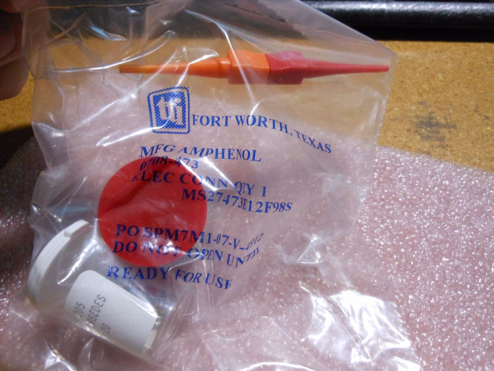 Amphenol Part Number MS27499E12B98P