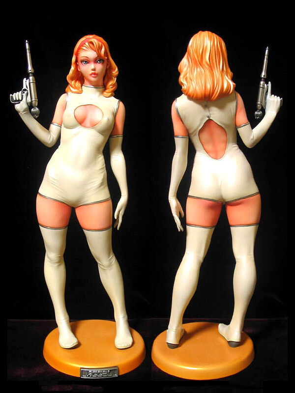 Sexy Space Suit Girl with Science Pistol 1 6 Unpainted Figure Model Resin Kit