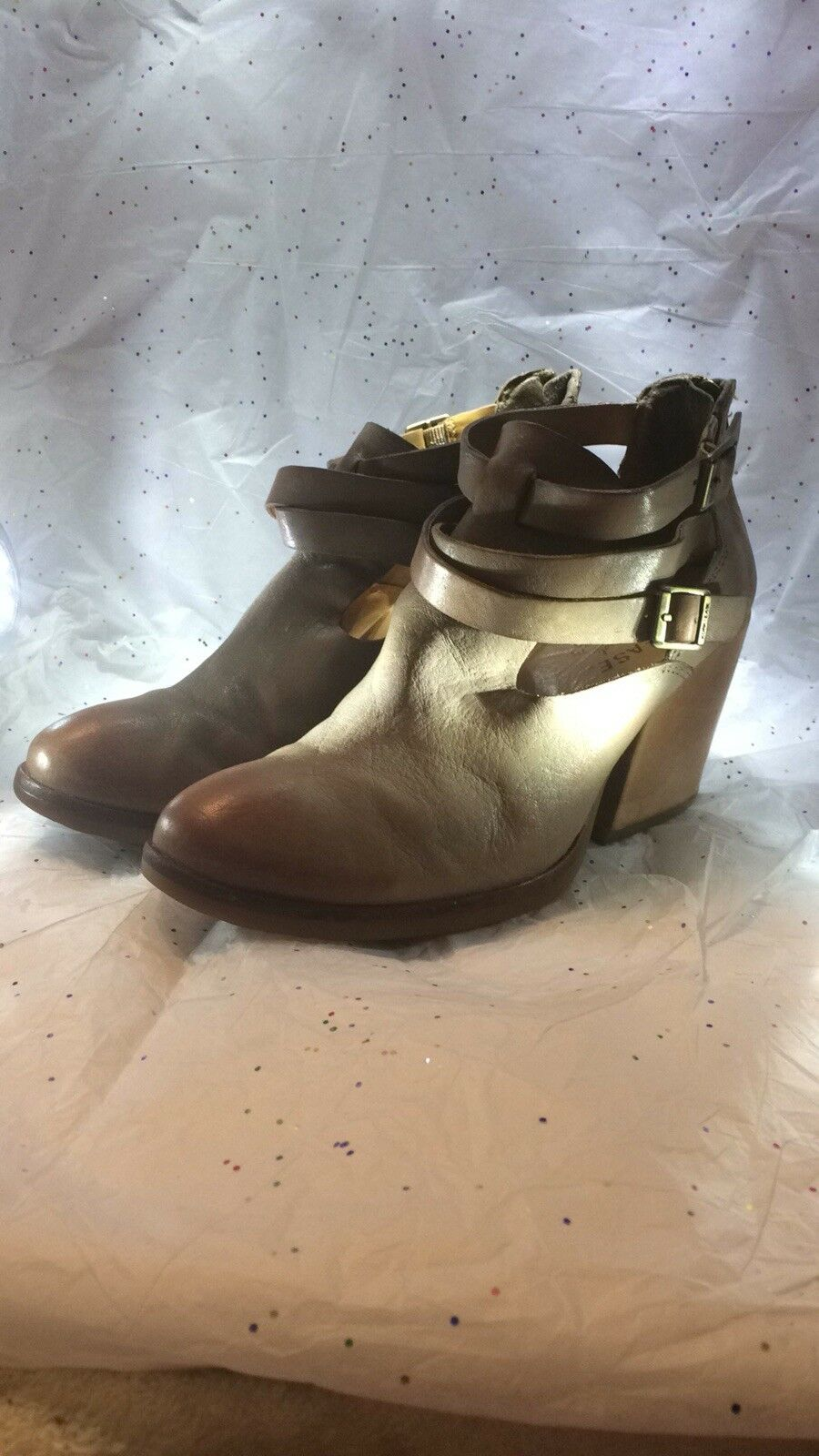 Kork ease  Tan Booties Size 71 2