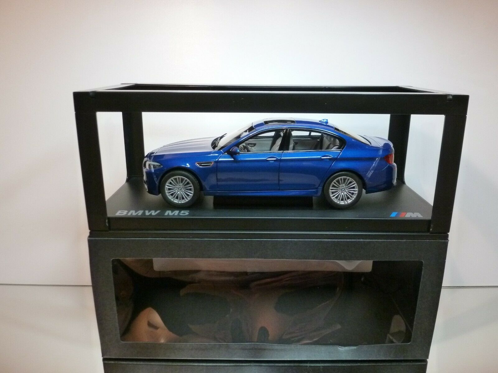 PARAGON 186352 BMW M5 - F10 - MONTE CARLO bleu 1 18 - EXCELLENT IN BOX