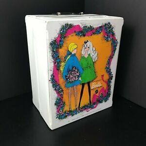 Vintage-CLEAN-1968-World-of-BARBIE-Mattel-White-Doll-Trunk-Carrying-Travel-Case