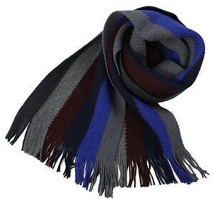 Klassischer-Strickschal-aus-100-Merinowolle-mit-Fransen-blau-grau-gestreift