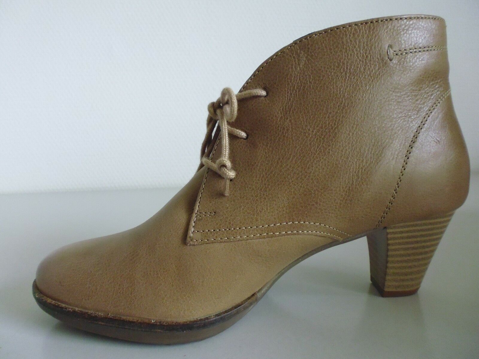 Chaussures Chaussures Femmes Bottes Bottines Cuir UNO DUE tre taupegr. 41 7,5