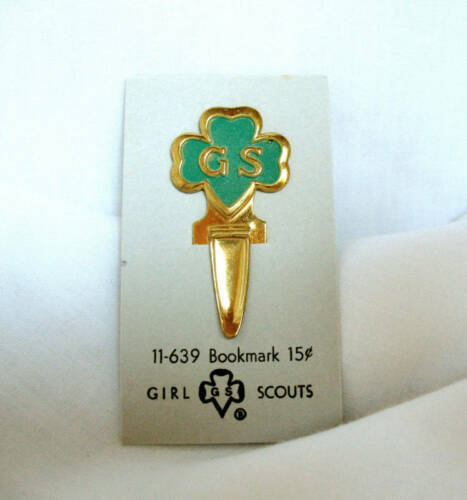 Leader COLLECTOR GIFT Girl Scout BOOKMARK NEW on CARD 1950s GS in Green Trefoil