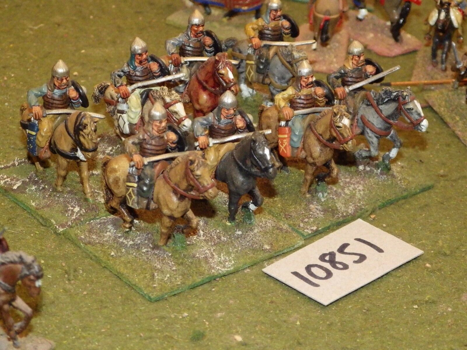 25mm dark ages   hun - cavalry 8 cavalry - cav (10851)