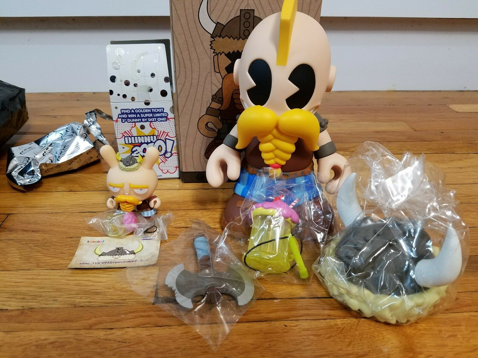 Kidrobot Mascot 20 Kid Olaf Beast Bros Techno Viking Dunny Set