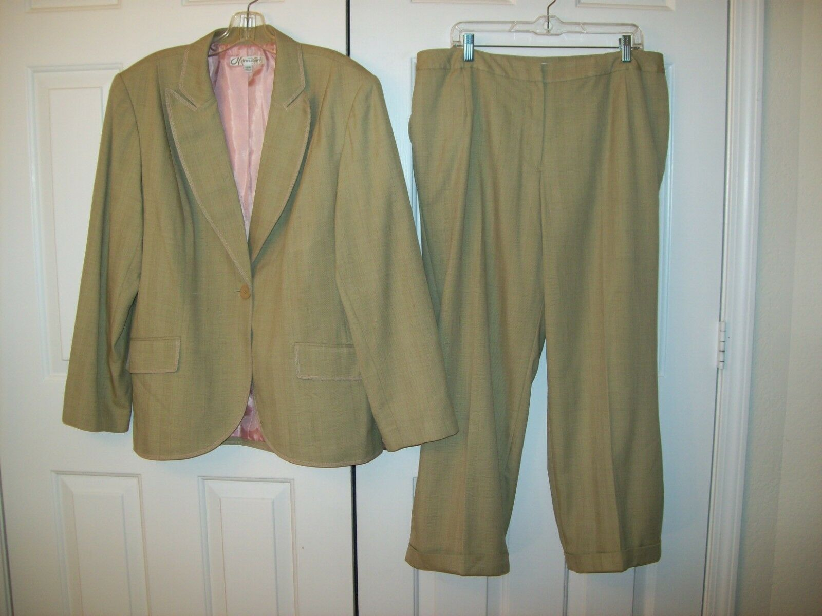Dressbarn lined polyester blend pant suit size 18W
